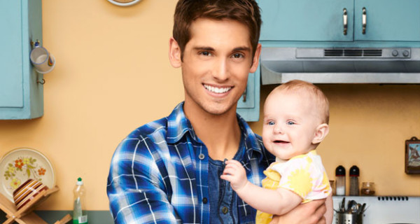 """Papà single a 20 anni. Ecco """"Baby Daddy"""", la nuova sit-com su Joi"""
