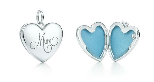Tiffany & Co, il ciondolo d'argento dedicato alle mamme