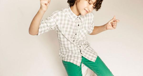 Camicia a quadri e pantaloni stretti colorati, il look firmato Zara Kids