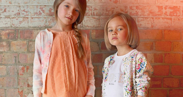 Paul Smith Junior, nella collezione PE 2013 per bambina dominano i colori pastello