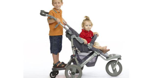 Ez Step, la pedana universale per trasportare due bambini su un solo passeggino