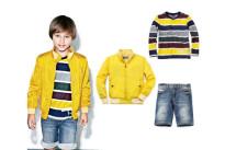Il look per bambino firmato Geox Respira. Protagonista la giacca gialla in nylon