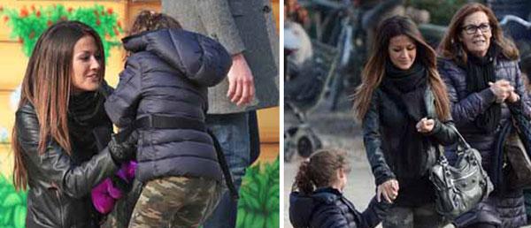 Giorgia Palmas e la sua bimba indossano leggings camouflage per andare al parco giochi