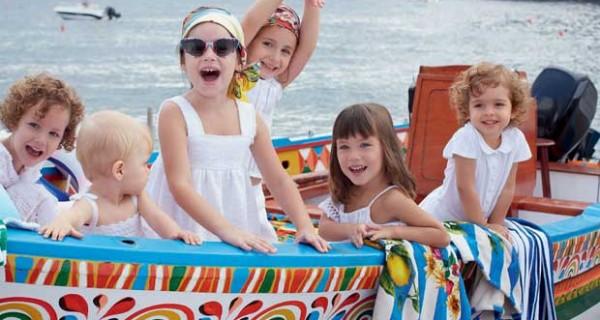 Dolce & Gabbana, la collezione PE 2013 per bambini che diventa un inno all'Italia