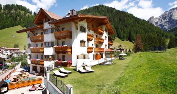 Vacanza all'insegna del relax e del benessere per tutta la famiglia all'Hotel Savoy in Val Gardena