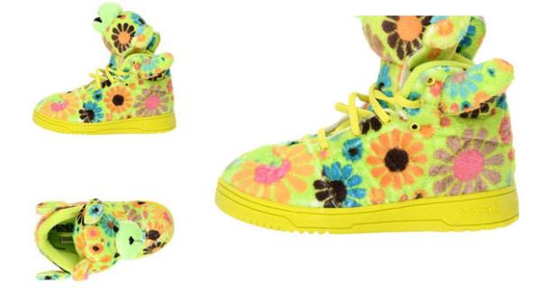 Scarpe o peluches? Il modello di sneakers firmato da Jeremy Scott per adidas