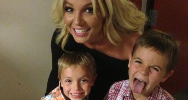 Britney Spears insieme ai suoi figli nel giorno della Festa della Mamma