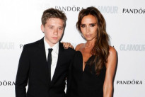 Brooklyn Beckham in abito Burberry Tailoring a Londra