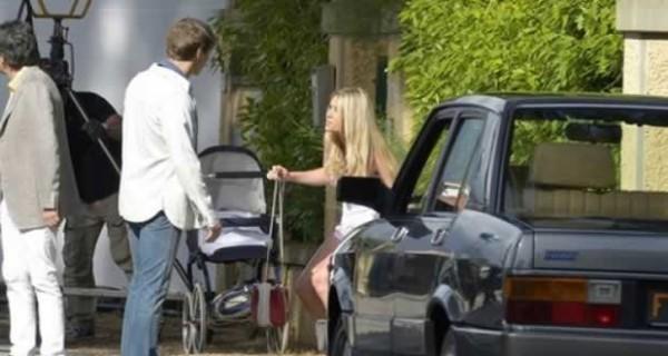 Martina Stella porta la figlia Ginevra sul set
