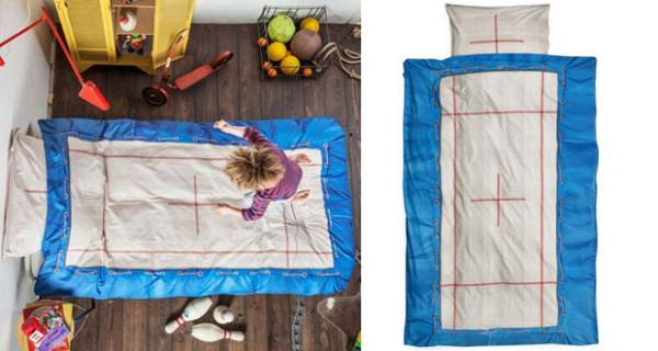 Il copriletto che trasforma il lettino in un trampolino