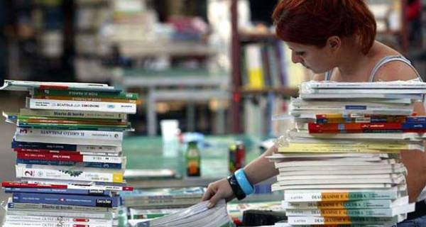 Allarme caro libri: ecco come far fronte all'aumento del prezzo dei libri