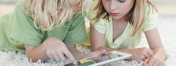 Addio libri e quaderni, a scuola arriva l'iPad!