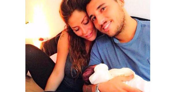 Guendalina Tavassi al settimo cielo con Chloe: ecco le prime foto con la sua bimba