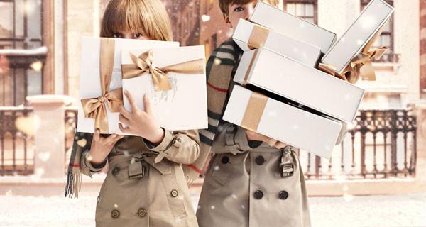 Burberry with Love, la campagna per bambino dedicata al Natale [Foto]