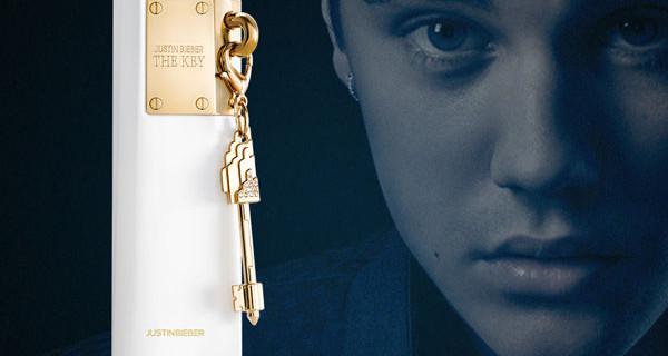 Justin Bieber presenta l'edizione speciale del profumo The Key per Natale