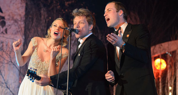 Prince William sings on stage with Jon Bon Jovi and Taylor Swift [Photos]