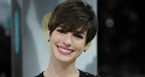 Anne Hathaway incinta: lei e Adam Shulman aspettano il loro primo figlio