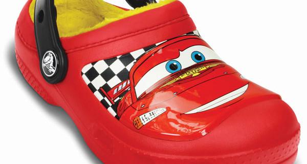 Crocs per bambini: il modello McQueen con il protagonista di Cars perfetto per Natale