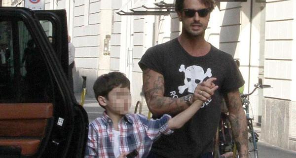 """La madre di Corona a Verissimo: """"Fabrizio ha incontrato suo figlio Carlos in carcere"""""""