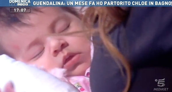 """Guendalina Tavassi a Domenica Live con la piccola Chloe: """"Ecco la mia vita da mamma-bis"""""""