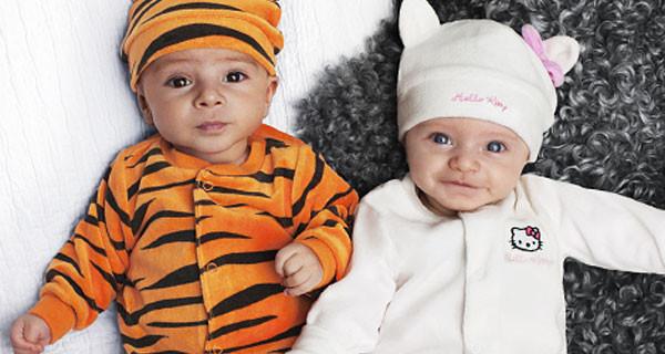 Tutina, body e berretto per neonati di H&M: i modelli dedicati a Hello Kitty e Tigro