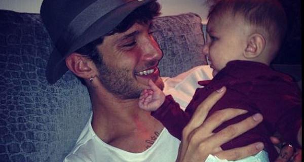 Ecco cosa ha fatto Stefano De Martino per proteggere il figlio Santiago. Sarà vero?