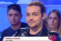 """Valerio Scanu a Verissimo: """"Grazie ai miei fans non potrei vivere senza i miei cani"""" [Video]"""