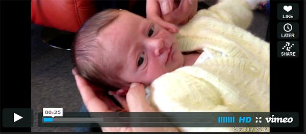 I genitori filmano un secondo al giorno per un anno il loro bimbo: ecco il video che ha commosso il web