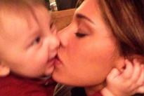 """Belen Rodriguez è una mamma all'antica: """"A Santiago non darò la paghetta"""". Leggi l'intervista"""