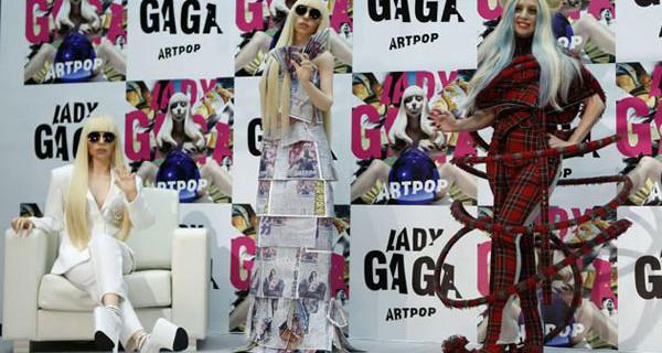 Lady Gaga diventa una bambola: ecco le sue Gagadolls a grandezza naturale