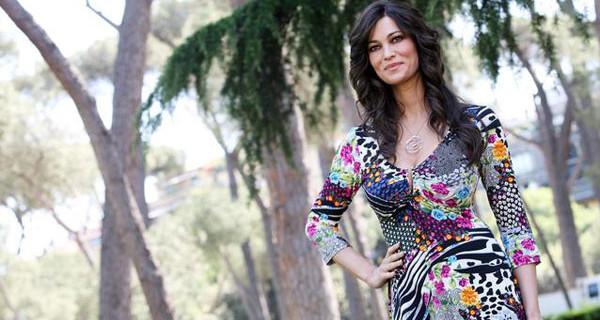Manuela Arcuri incinta di un maschietto: l'attrice avrà un bambino