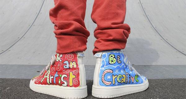 Monkies presenta le scarpe per bambino che si possono colorare con i pennarelli