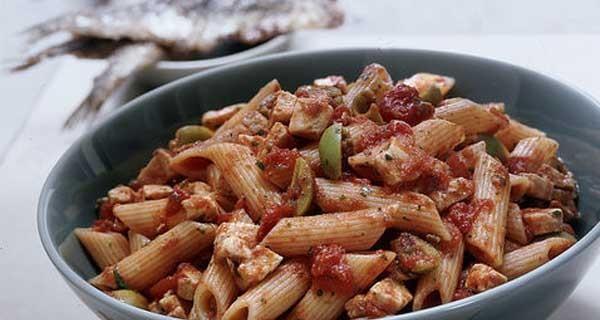 La ricetta della pasta al ragù di pesce spada: un piatto unico perfetto per i bambini