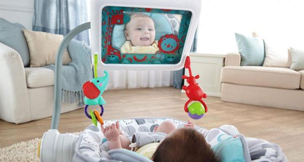 Poltrona per neonati con porta iPad: cosa ne pensi?