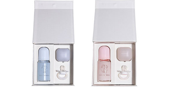 Il regalo per bebè perfetto per Natale: il set di Dolce&Gabbana con ciuccio e biberon