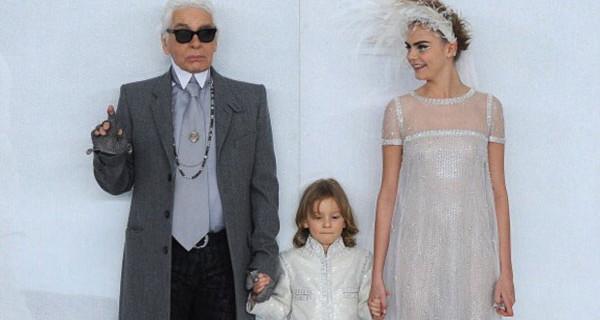 Parigi Haute Couture: Chanel sfila anche con i bambini [Foto]