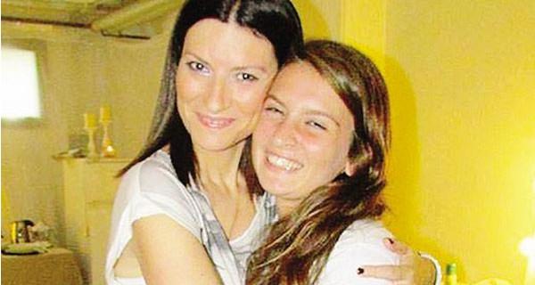 Laura Pausini vicina alla malattia di una giovane fan: il sogno di Giorgia è diventato realtà