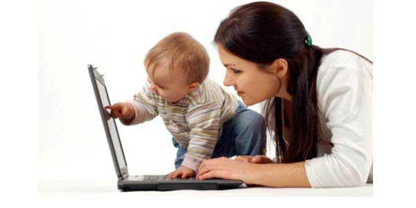 Coppia Canadese chiede al popolo di internet di scegliere il nome della loro bambina