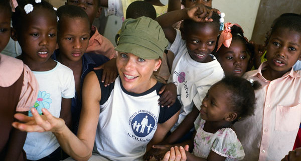 """Martina Colombari ad Haiti: """"Un bambino su tre muore prima di compiere 5 anni"""""""