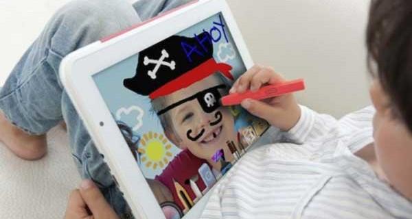 Il tablet è diventato l'oggetto da cui bambini e ragazzi non si separano più