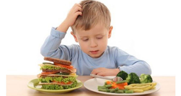 Cosa fare quando i bambini non mangiano la verdura? Ecco qualche consiglio