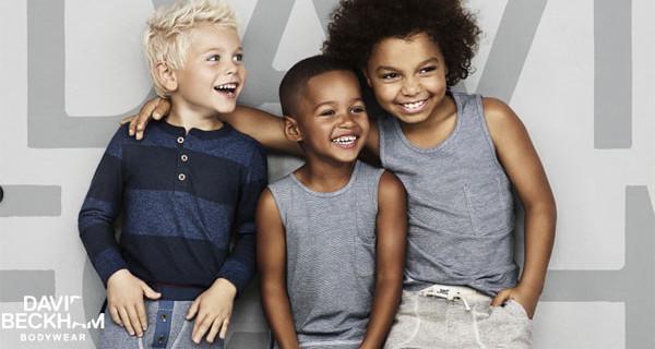 David Beckham ha disegnato la nuova linea di intimo per bambini di H&M