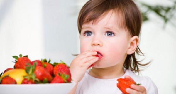 Bimbi vegan, la guida per l'alimentazione per bambini senza prodotti animali