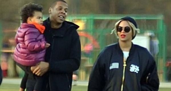 Beyoncé Knowles in concerto a Dublino trova il tempo anche per la sua bimba [Foto]