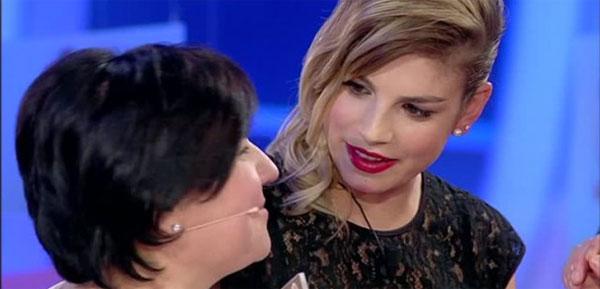 Emma Marrone ospite a C'è Posta Per Te: la commozione di una mamma [Video]