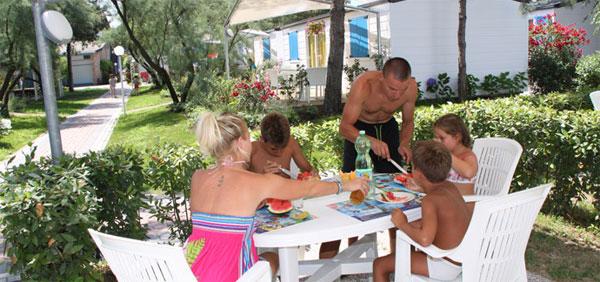Vacanze al mare per tutta la famiglia. La soluzione più vantaggiosa è il bungalow