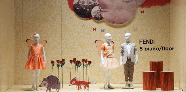 Fendi Kids veste la vetrina de La Rinascente Milano-Duomo fino al 6 Aprile