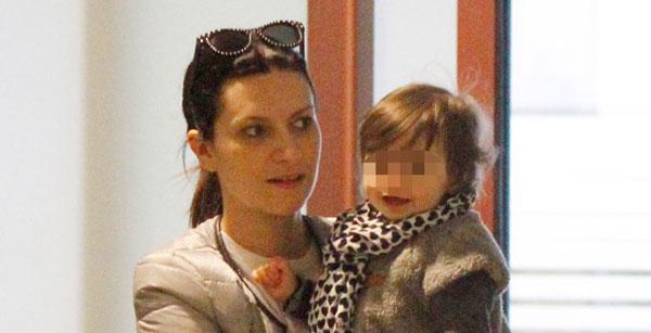"""Intervista a Laura Pausini: """"Da quando è nata Paola la mia vita è cambiata"""""""