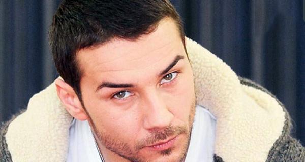 """Uomini e Donne, Luca Viganò preoccupato per la malattia di sua mamma: """"State vicino a chi soffre"""""""