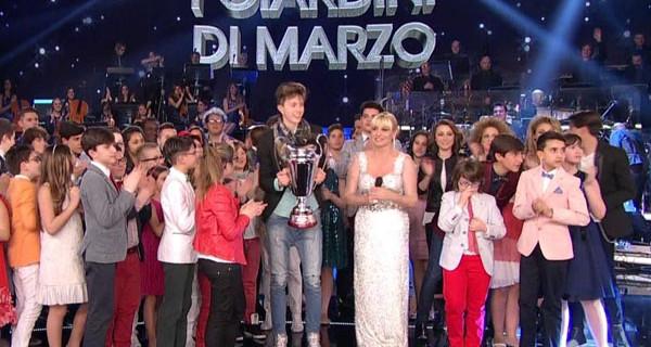 Ti Lascio Una Canzone supera Amici di Maria De Filippi e incorona Mattia Lever come vincitore